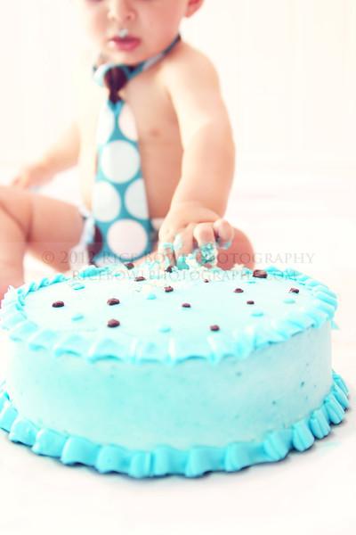 Cake Smash - Noah