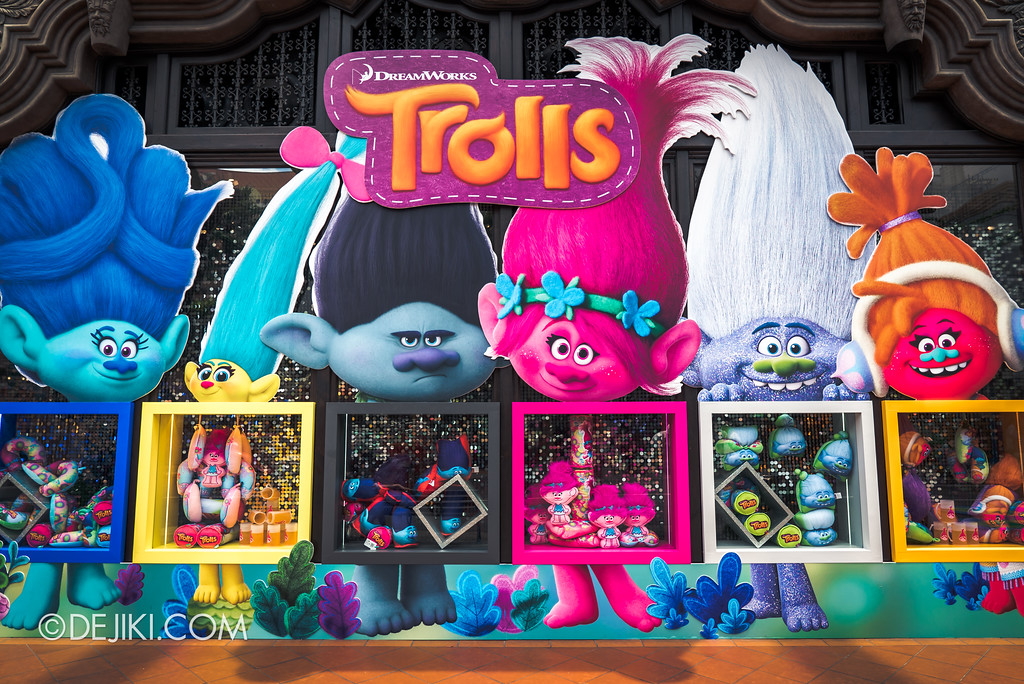 Universal Studios Singapore Park Update March 2018 TrollsTopia event - Universal Store display