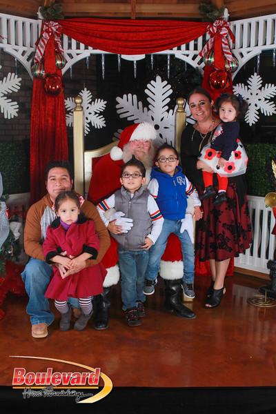 Santa 12-17-16-356.jpg