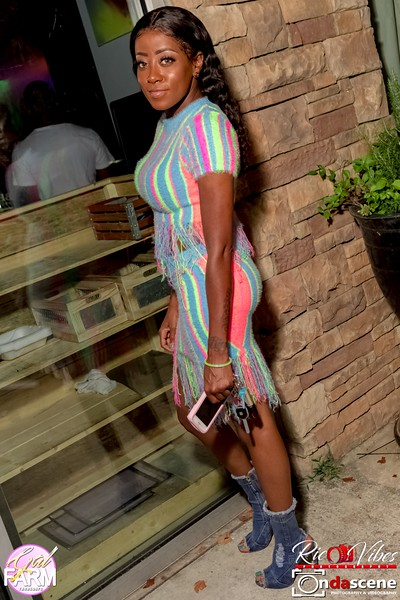 GAL FARM THURSDAYS PRESENTS IT'S GLOW NEON EDITION-230.jpg