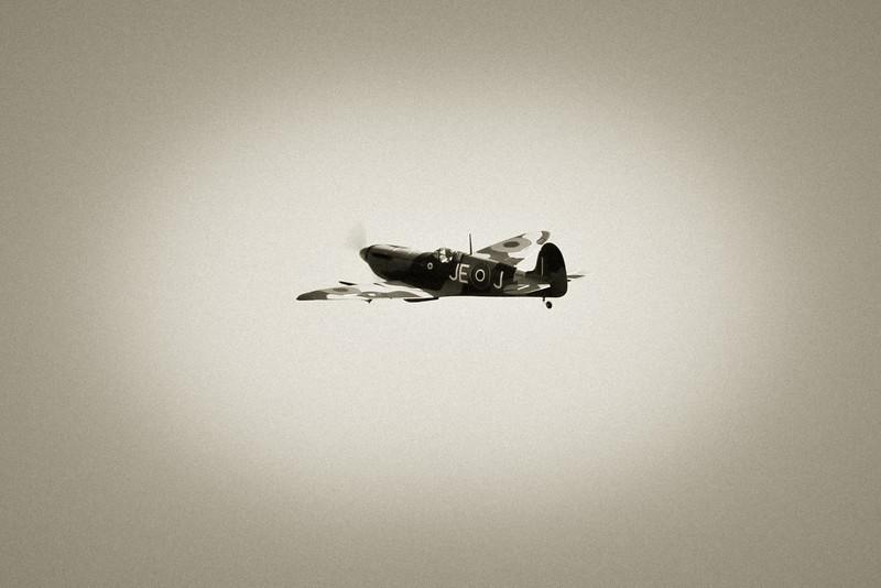 SpitfireIX_04.jpg