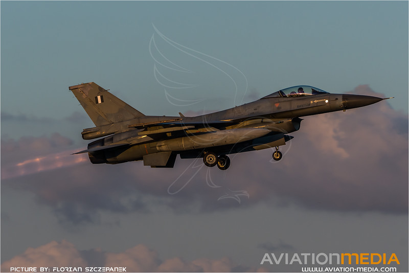 HAF 330 Mira / Lockheed Martin F-16C-30 Fighting Falcon / 138
