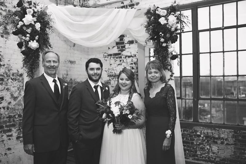 Family Formals K&M BW-2.jpg