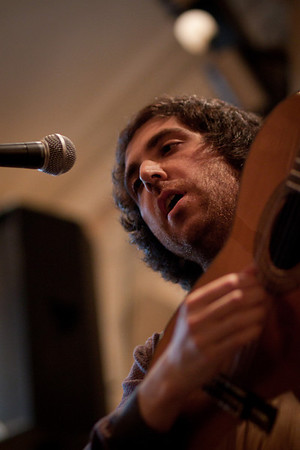 2010.08.01 : Yusuf Azak live at the Old Queens Head