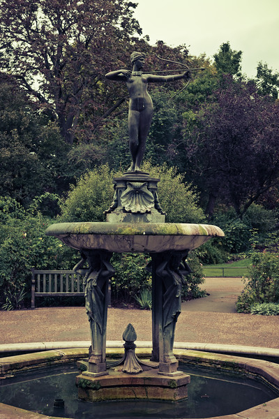 Huntress Fountain, Hyde Park