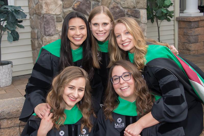 SALUS University Grad Poses 2021
