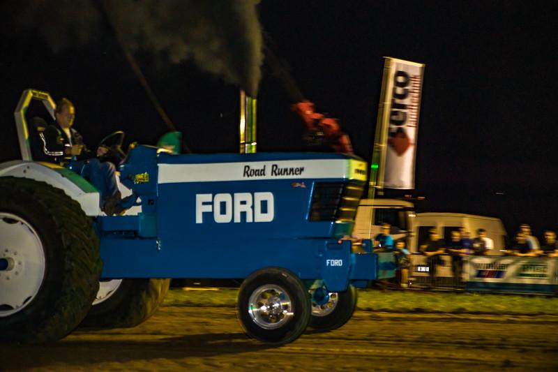 Tractor Pulling 2015-01813.jpg