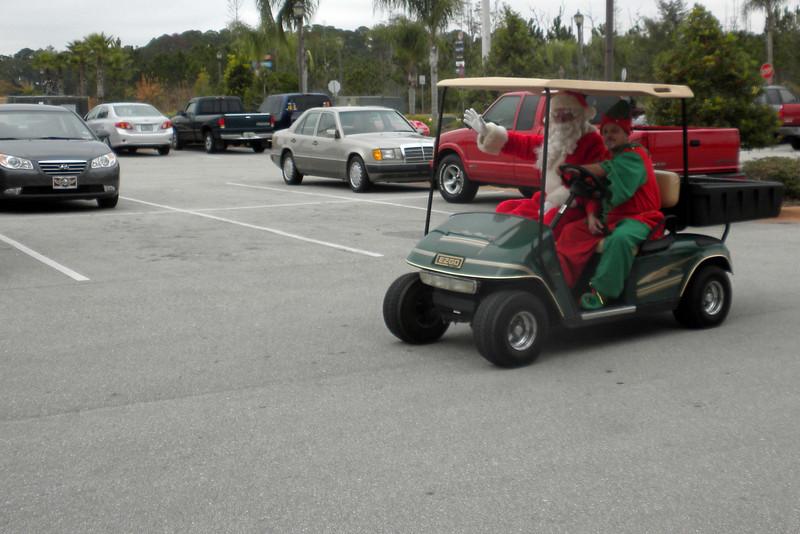 006 Santa arriving at J&P Cycles.jpg
