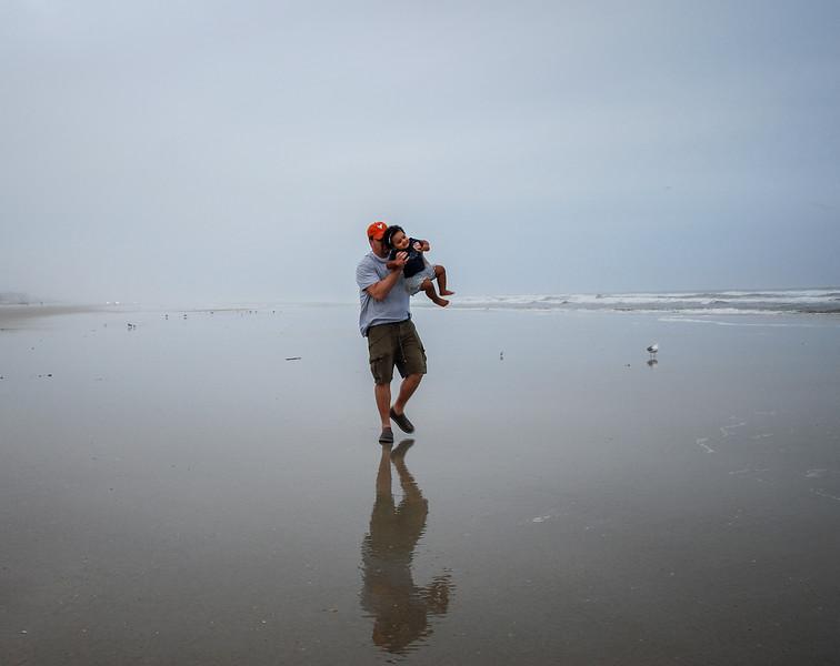 J and Mari at beach 12.2018 VIII cropped.jpg