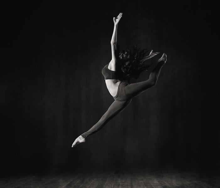 Leydis - dancer - Cuba