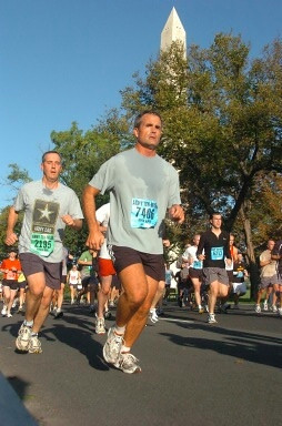 2006-10 - Randy in Marines Marathon in D.C.