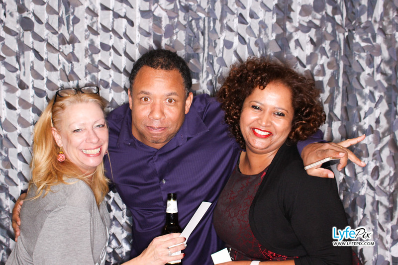 red-hawk-2017-holiday-party-beltsville-maryland-sheraton-photo-booth-0264.jpg