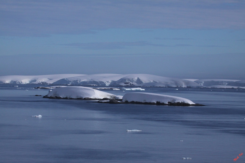 Beautiful summer day in Antarctica.  Just a little cold: about 32 deg. F.