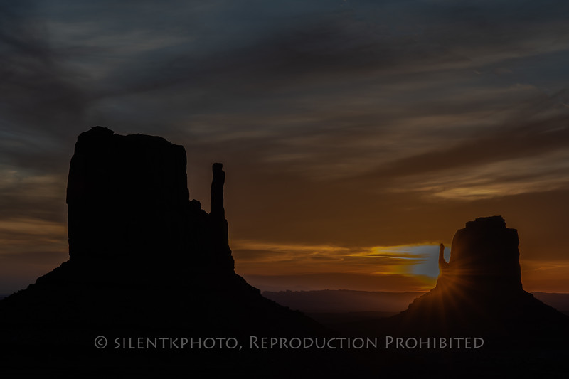 Th Mittens - Monument Valley, AZ