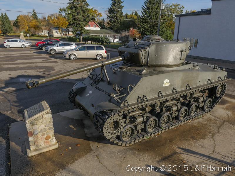 War Memorial - Minnedosa, MB - M4A2(76)W HVSS
