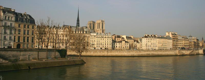 Looking at the Isle de la Citie- Paris