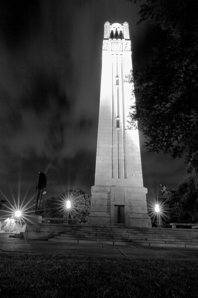 Night_Falls_on_the_Bell_Tower.jpg