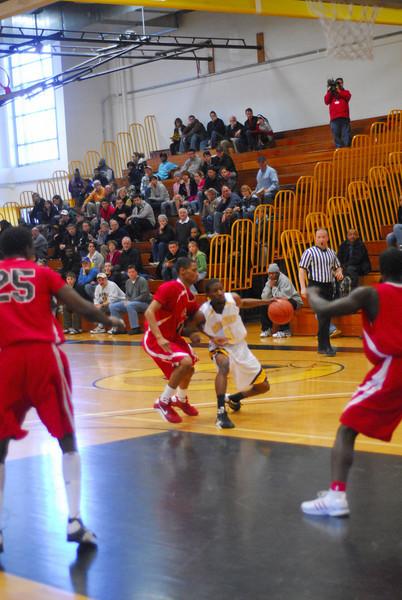 20090301_MCC Basketball_5541.JPG