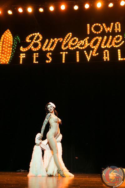 burlesque day2 edits (272 of 123).jpg