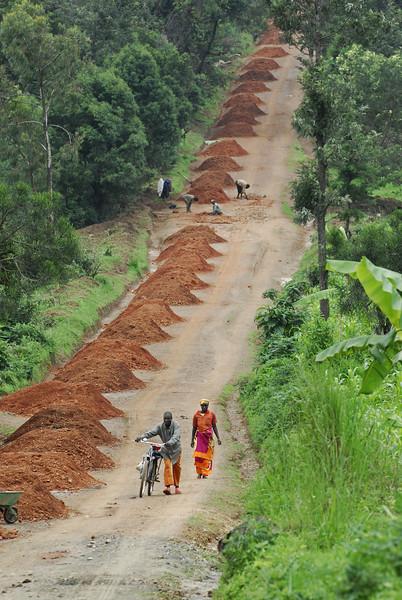 070115 4363 Burundi - on the road to Karera Falls _E _L ~E ~L.JPG
