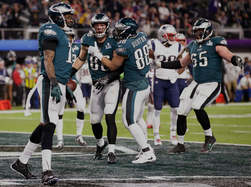 . Philadelphia Eagles tight end Zach Ertz (86) celebrates a touchdown with his teammates, during the second half of the NFL Super Bowl 52 football game against the New England Patriots, Sunday, Feb. 4, 2018, in Minneapolis. (AP Photo/Frank Franklin II)