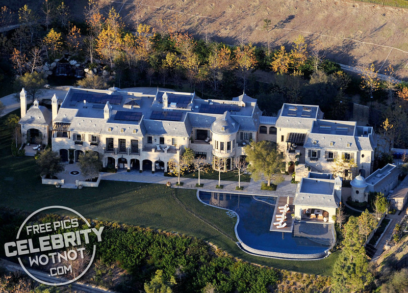 Tom Brady and Gisele Bündchen Sell Mansion To Dr. Dre For $40 Million! Los Angeles