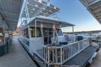 Houseboat 488