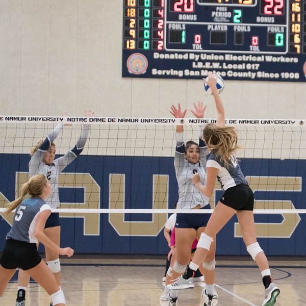 HPU Volleyball-91895.jpg