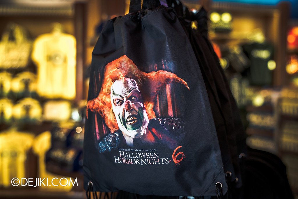 Universal Studios Singapore - Halloween Horror Nights 6 Before Dark Day Photo Report 4 - HHN6 Jack the Clown merchandise corner / drawstring bag