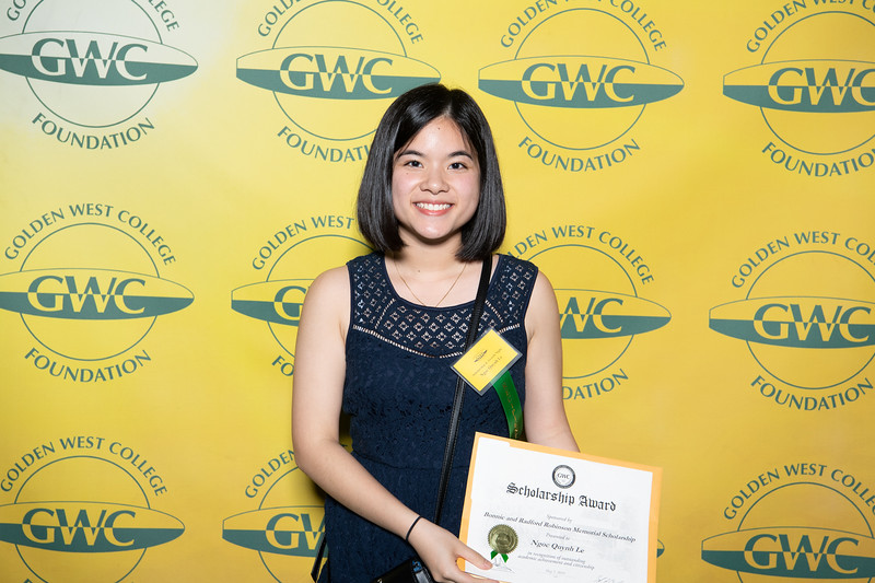 Scholarships-Awards-2019-0635.jpg