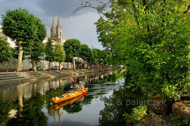 Kayaker in Niort.