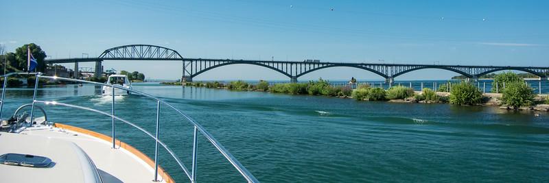 Peace Bridge to Canada