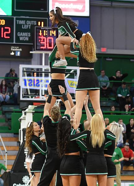 cheerleaders4186.jpg