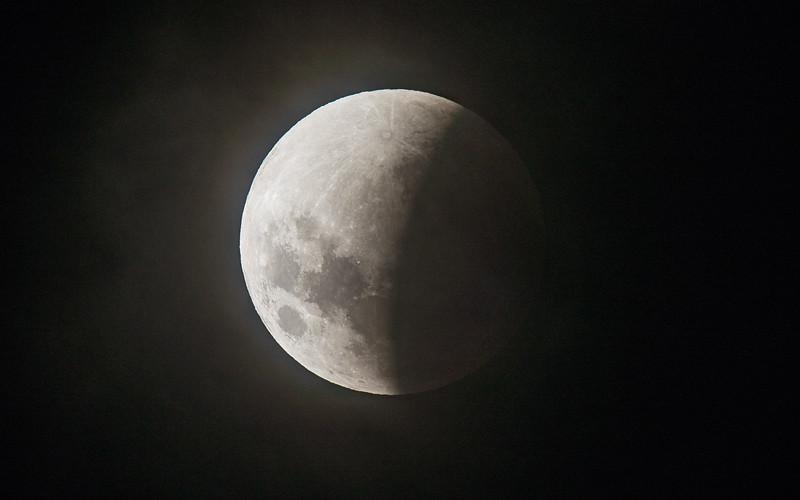 5DIV FS102 Lunar Eclipse 1300mm-6066.jpg
