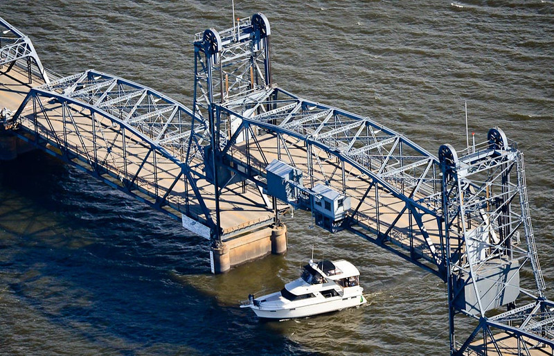 . The Stillwater lift bridge lifts to let a boat pass beneath. (Pioneer Press: Ben Garvin)