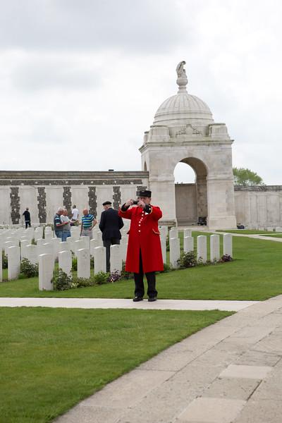 Ypres Tyne Cot Cemetery (45 of 123).jpg