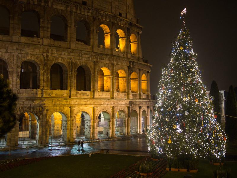 colosseum christmas tree.jpg