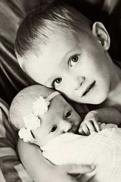 Baby Emma 091B&W.jpg