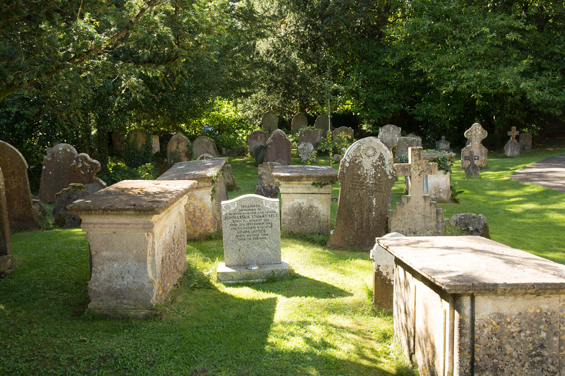Cotswold Cemetery
