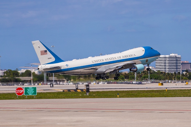 Air Force One lifts off from Palm Beach International Airport for the return trip to Washington D.C. with President Donald J. Trump and family aboard on Sunday, MArch 31, 2019. [JOSEPH FORZANO/palmbeachpost.com]
