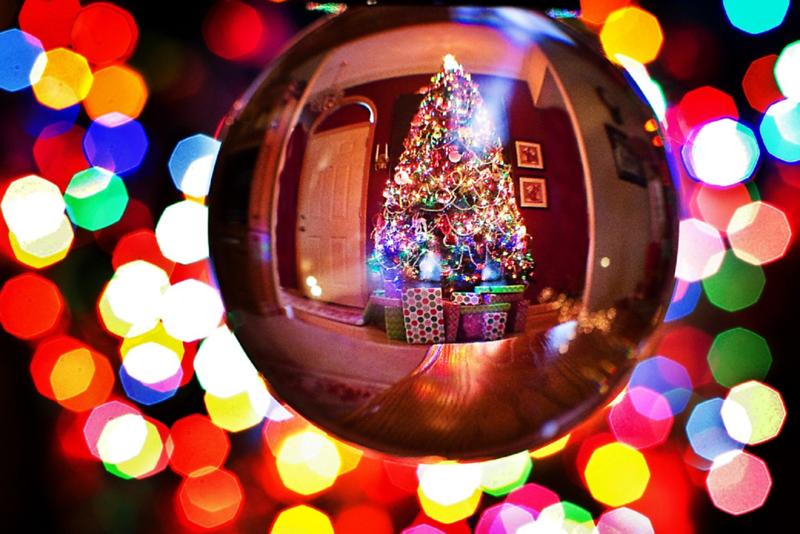 christmas-tree lights2948566_1280.png