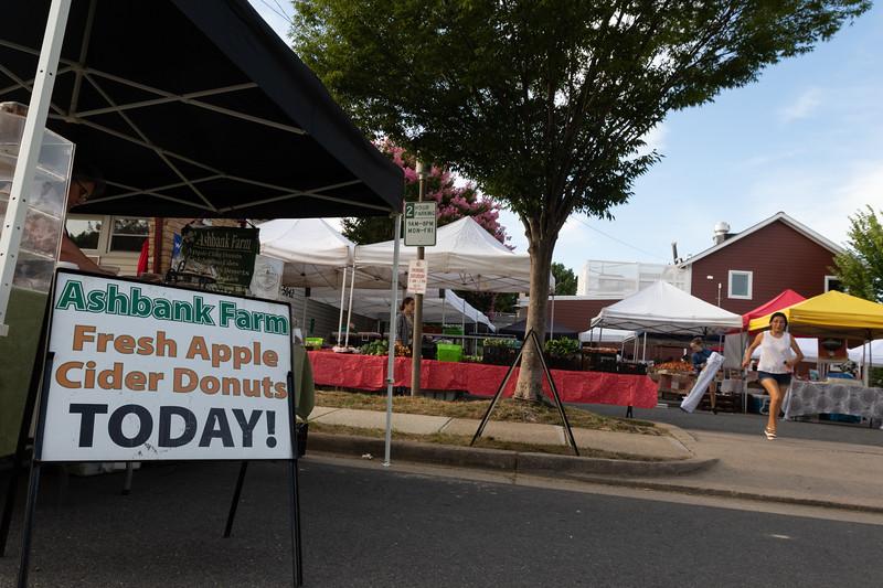 Del Ray Farmers Market 192.jpg