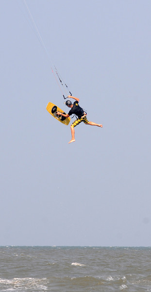 Kiteboarding_6.jpg