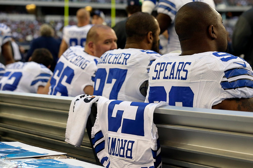 Description of . A jersey with Jerry Brown, Jr.\'s number is displayed on the Dallas Cowboys sideline during the first half of an NFL football game against the Pittsburgh Steelers Sunday, Dec. 16, 2012 in Arlington, Texas. Brown died in a car crash last week and teammate Josh Brent was the driver. (AP Photo/Tony Gutierrez)
