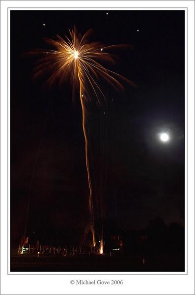A single flare goes up (69759937).jpg
