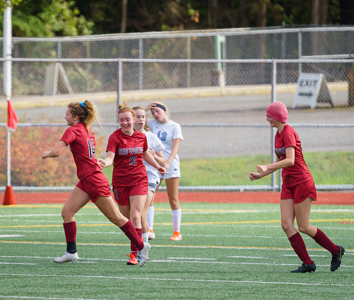 2019-09-28 Varsity Girls vs Meadowdale 086.jpg
