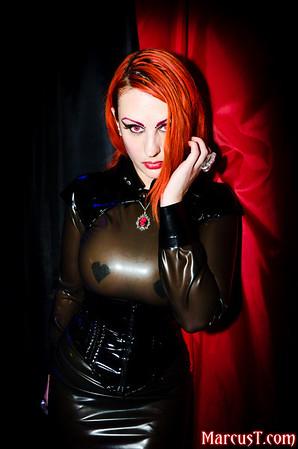 20111029 - Club Antichrist Halloween 2011 - SamPhire + InerMiss + Alexie