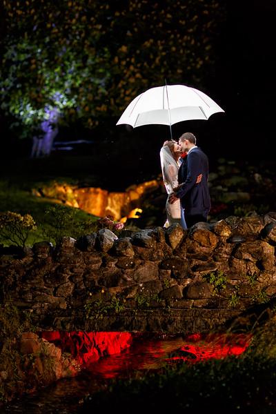 wedding-photographer-scotland-rain-umbrella-(76).jpg