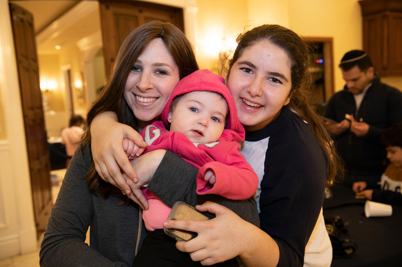 Brentwood Chabad -Chanukah1095.jpg