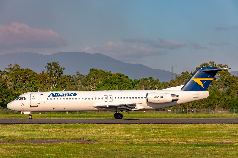 Alliance Airlines Fokker F100 VH-XWS departing Rockhampton Airport